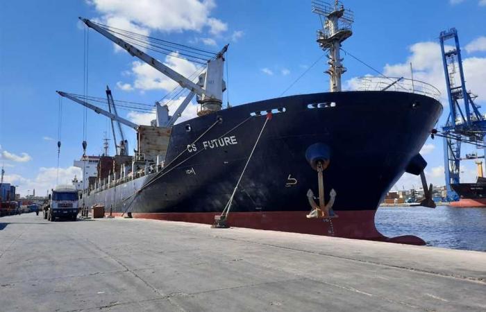 #المصري اليوم - مال - 25 سفينة بموانئ بورسعيد في ثالث أيام العيد موجز نيوز