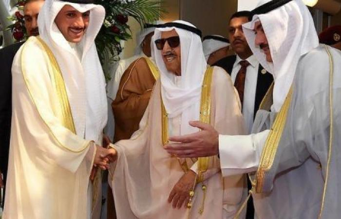 «الغانم» يدعو له.. آخر تطورات الحالة الصحية لأمير الكويت (فيديو)