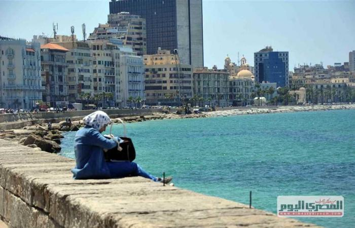 المصري اليوم - اخبار مصر- الصيف يناوش الخريف.. ارتفاع مؤقت لدرجات الحرارة الـ48 ساعة المقبلة موجز نيوز