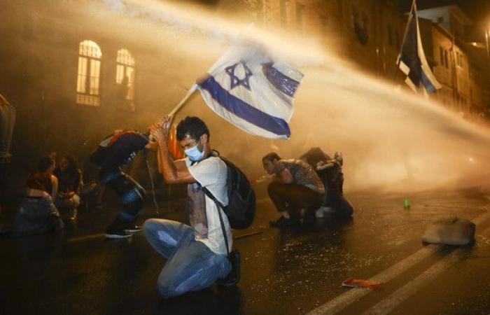 مظاهرات إسرائيلية جديدة في القدس تطالب باستقالة نتنياهو