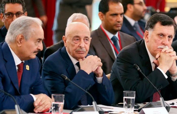 حوار ومناصب وحشد عسكري.. ليبيا تحبس أنفاسها