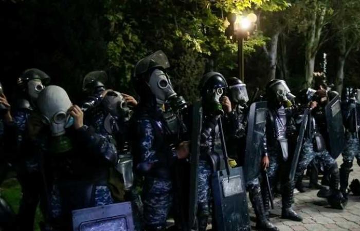 #المصري اليوم -#اخبار العالم - محتجون في قرغيزستان يقتحمون مقر الحكومة ومبنى أمن الدولة (صور) موجز نيوز