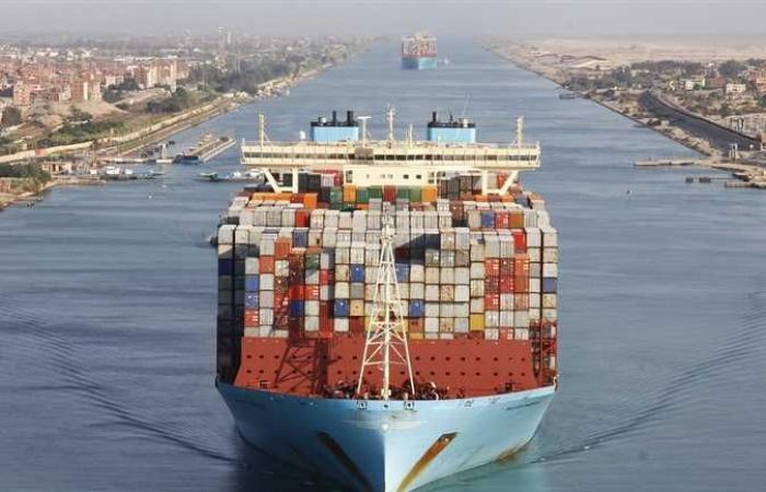 #المصري اليوم - مال - عبور سفينة حاويات عملاقة بغاطس غير مسبوق في تاريخ قناة السويس (صور) موجز نيوز