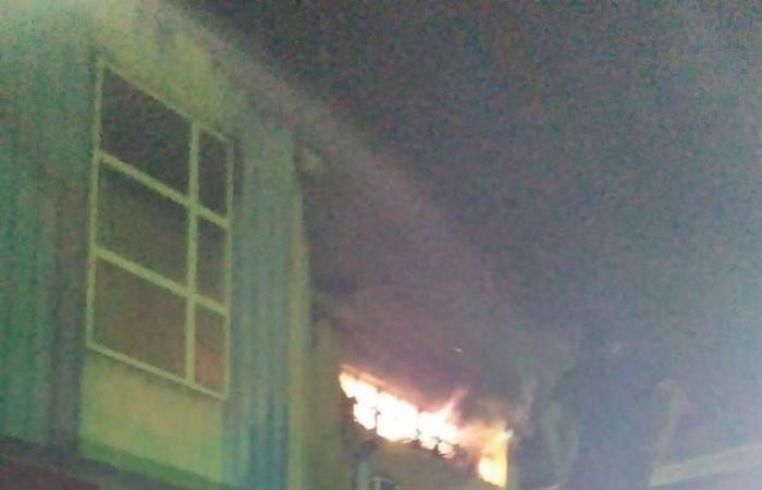 #اليوم السابع - #حوادث - الحماية المدينة تدفع بـ10سيارات للسيطرة على حريق مخازن بالعاشر من رمضان