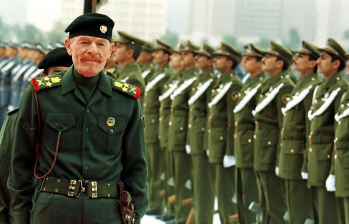 وفاة عزة الدوري.. ماذا تعرف عن «ظل» صدام حسين؟