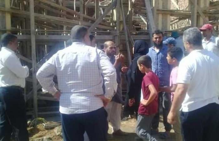 المصري اليوم - اخبار مصر- وقف بناء 3 عقارات بدون ترخيص بشبين القناطر ومصادرة المعدات (صور) موجز نيوز