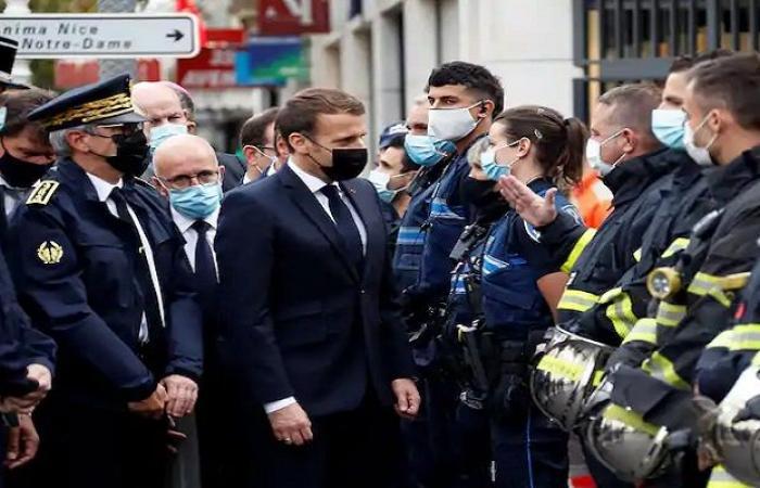 بدفاعه عن الرسوم المسيئة.. ماكرون يضع فرنسا في مرمى «العاصفة»