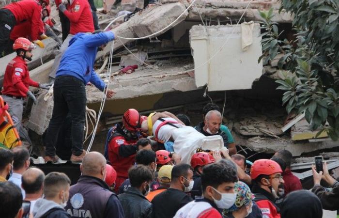 ارتفاع حصيلة ضحايا زلزال تركيا إلى 12 قتيلا و419 مصابا