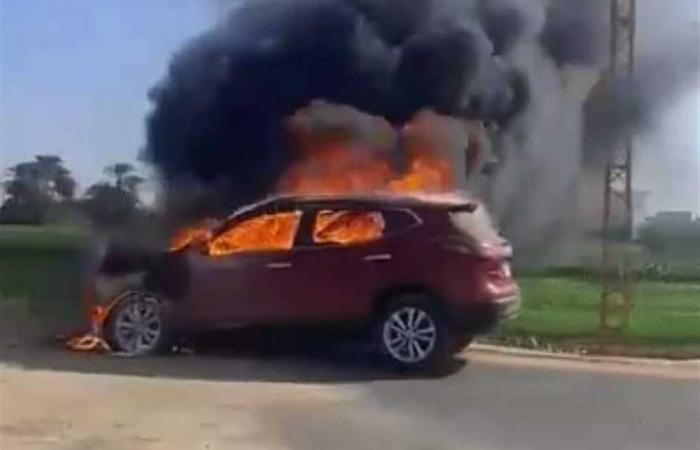#المصري اليوم -#حوادث - اشتعال النيرات بسيارة يصيب السائقين بالفزع اعلى كوبرى اكتوبر موجز نيوز