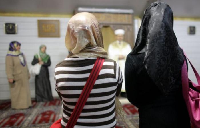 فرانكفورتر الجماين: برلين تُروّج لـ «إسلام صنع في ألمانيا»