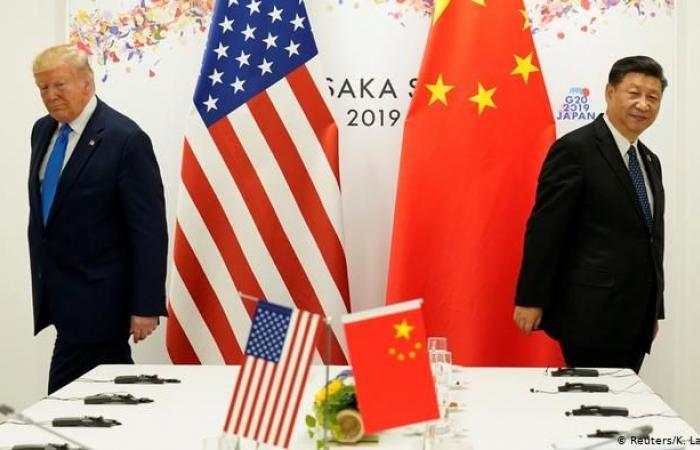 حرب ترامب التجارية تتواصل.. حظر الاستثمارات في شركات صينية