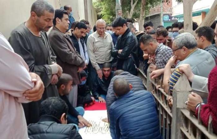 المصري اليوم - اخبار مصر- وصول جثمان الشهيد ياسر عصر إلى مسجد قرية مشتهر موجز نيوز