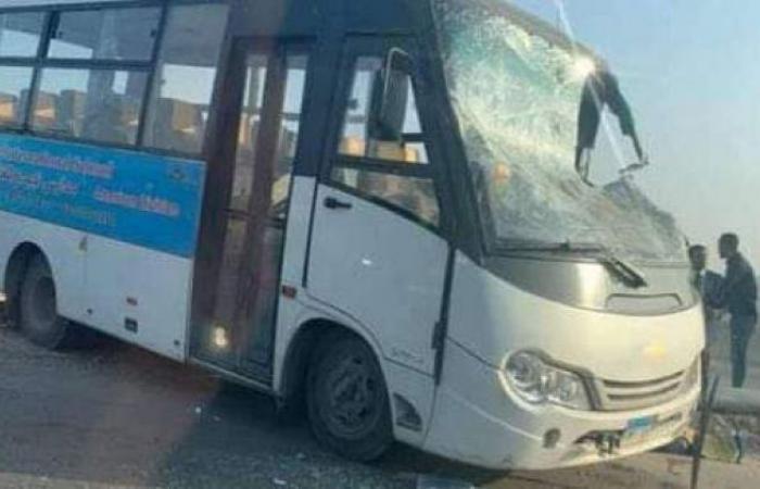 الوفد -الحوادث - انقلاب أتوبيس مدرسة بالهرم ونقل التلاميذ للمستشفى موجز نيوز