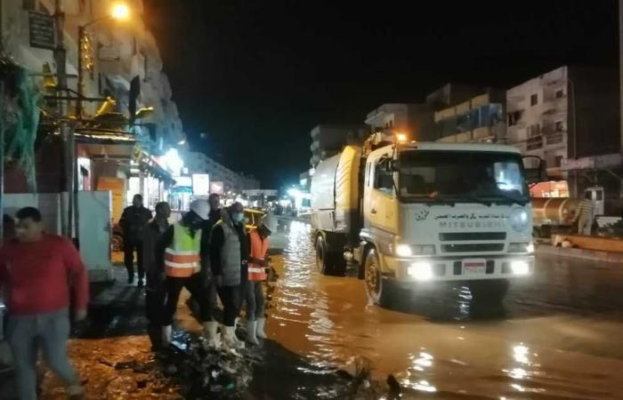 المصري اليوم - اخبار مصر- محافظ كفر الشيخ يعلن حالة الطوارئ ومعدات مجالس المدن ترفع المياه من الشوارع موجز نيوز