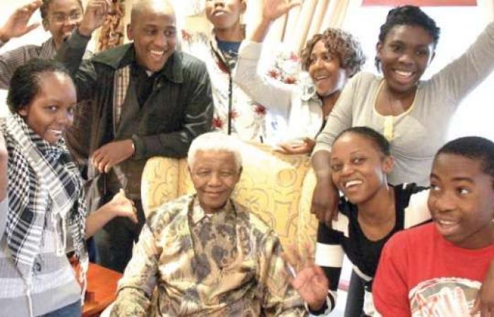 """اخبار السياسه حفيدة نيلسون مانديلا في ذكرى رحيله لـ""""الوطن"""": إرثنا عنه لا يقدر بمال"""
