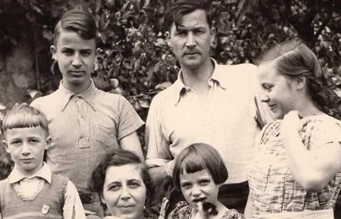 #المصري اليوم -#اخبار العالم - الألمانى «هوزينفيلد».. احتل بولندا فكرَّمه البولنديون واليهود وقتله السوفييت «وللحرب العالمية أسرارها» (10) موجز نيوز