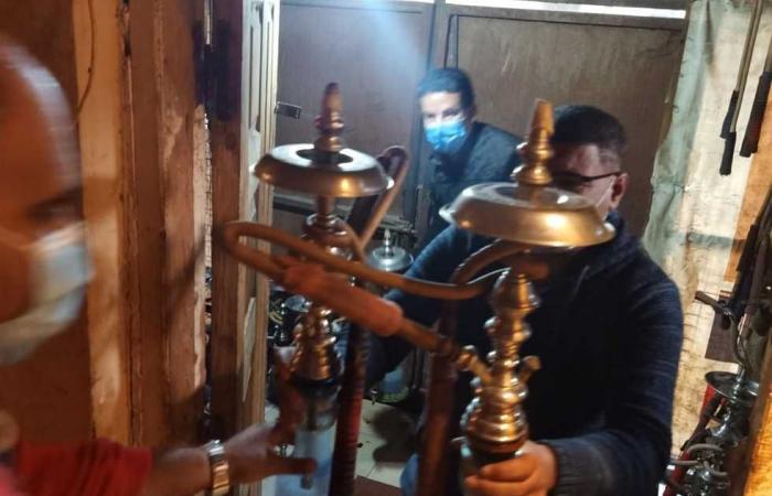 #المصري اليوم -#حوادث - غلق 5 مقاهي تقدم الشيشة ومخزن أدوية بدون ترخيص بشبرا الخيمة (صور) موجز نيوز