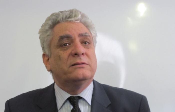 سياسي جزائري: نظام بوتفليقة لا يزال يحكمنا.. ونراهن على الحراك في التغيير (حوار)