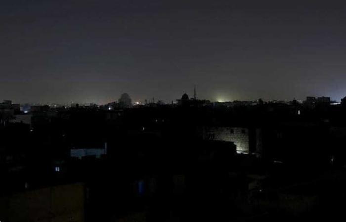 #المصري اليوم -#اخبار العالم - بعد ليلة كاملة في الظلام.. وزير الطاقة الباكستاني يعلن عودة الكهرباء لجزء كبير من البلاد موجز نيوز