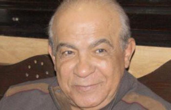 #اليوم السابع - #فن - تشييع جثمان الفنان هادى الجيار من مسجد الشرطة بالشيخ زايد بعد صلاة الظهر