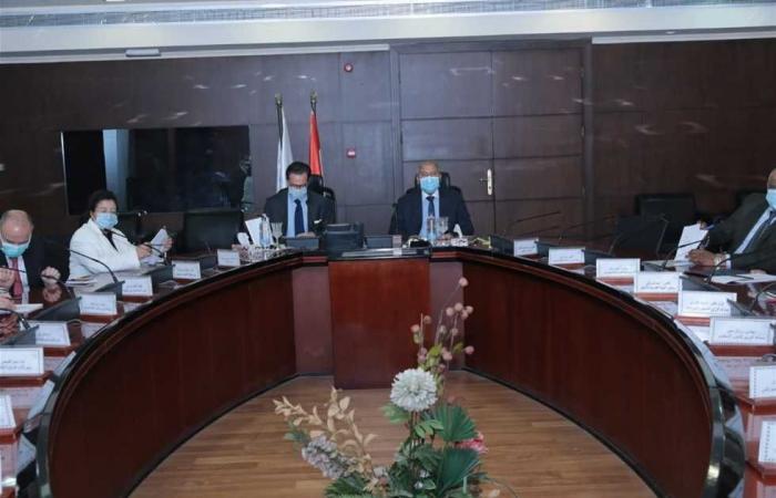 المصري اليوم - اخبار مصر- وزير النقل وسفير فرنسا يبحثان التعاون في مجال إنشاء خطوط سكك حديد جديدة موجز نيوز
