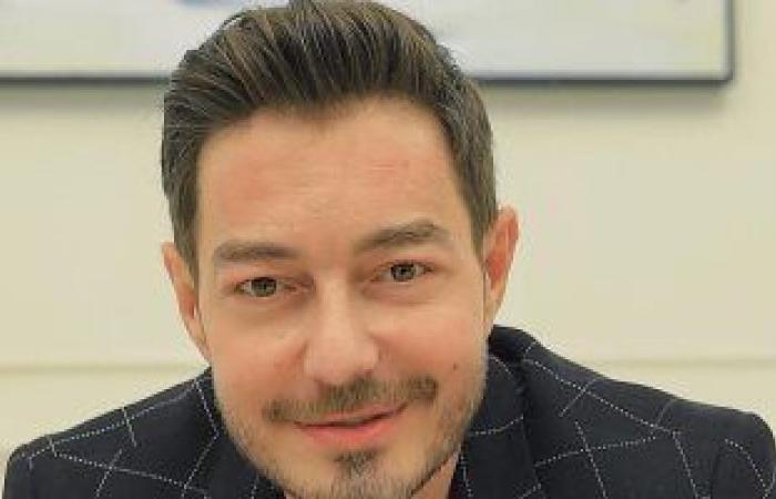 """#اليوم السابع - #فن - أحمد زاهر يهنئ نجوم مسلسل فى بيتنا روبوت.. ويعلق :""""إن شاء الله هيكسر الدنيا"""""""