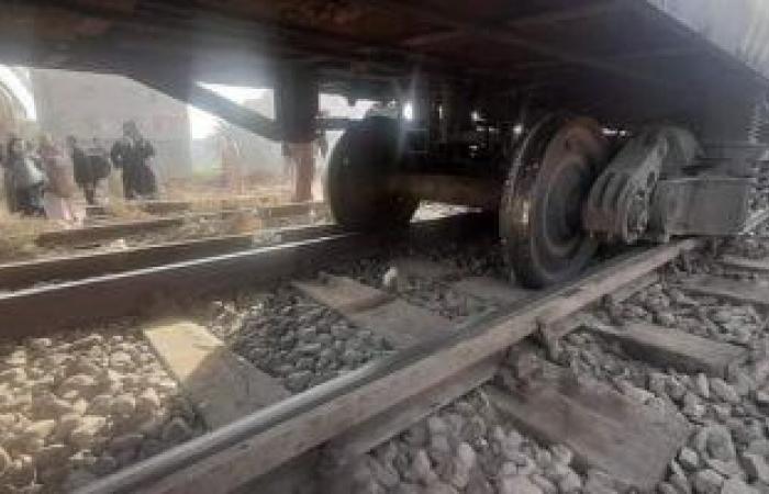#اليوم السابع - #حوادث - توقف قطار القاهرة - مطروح بسبب عبور سيارة من منفذ غير شرعى
