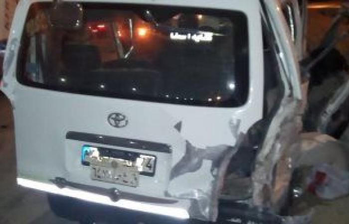 #اليوم السابع - #حوادث - إصابة 14 شخصا فى تصادم سيارتين على الطريق الصحراوى الشرقى بالمنيا