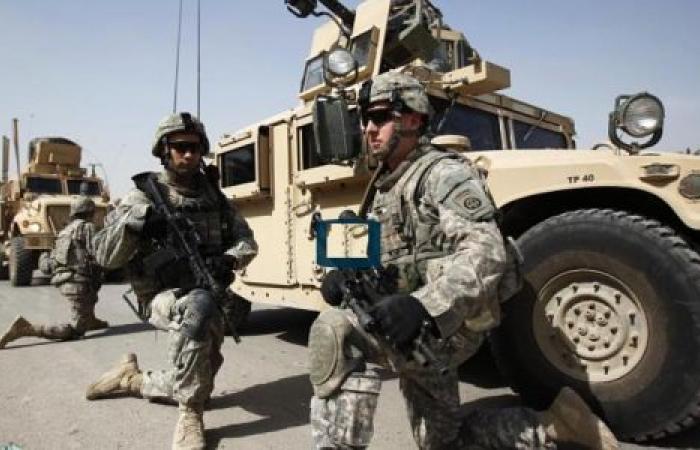 يوم في حياة العراق.. واشنطن تخفض قواتها وهجوم على قاعدة أمريكية ومقتل 13 تركيًا