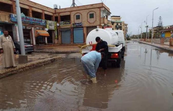 المصري اليوم - اخبار مصر- عبدالقوي يتابع كسح مياه الأمطار بمصيف بلطيم طوال الليل موجز نيوز