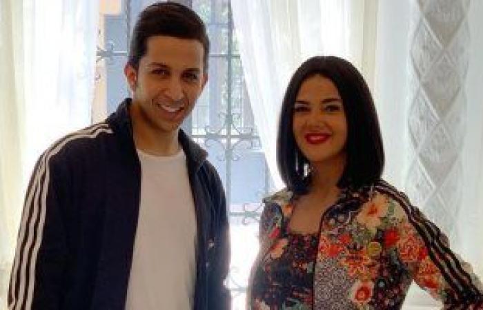 """#اليوم السابع - #فن - دنيا سمير غانم تهنئ هشام جمال على"""" فى بيتنا روبوت """" : مسلسل كوميدى جميل"""