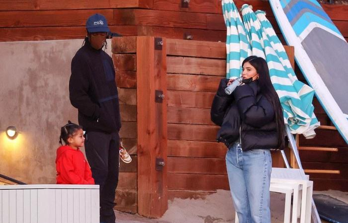 """#اليوم السابع - #فن - في أجواء عائلية كيلى جينر تستمتع بوقتها مع ترافيس سكوت و ابنتهما """"ستورمي"""""""