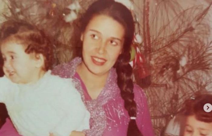 #اليوم السابع - #فن - هنا شيحة تحتفل بعيد ميلاد شقيقتها حلا شيحة بصور نادرة لهما ورسالة.. اعرف ماذا قالت