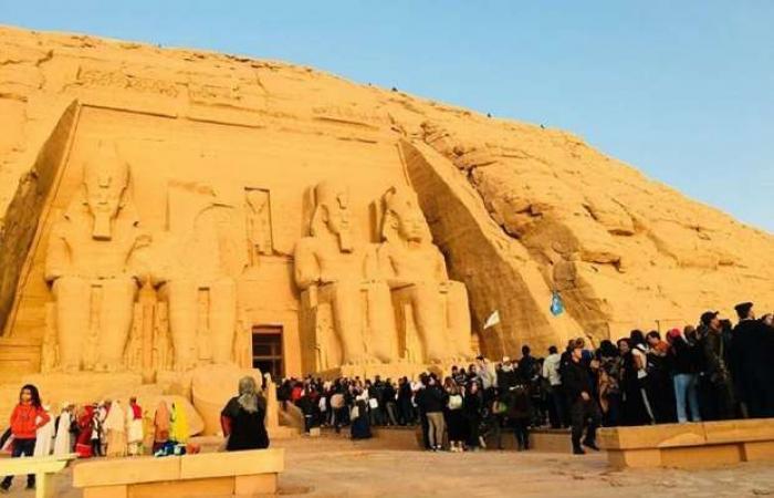 اخبار السياسه كورونا يقلل زوار رمسيس في ظاهرة التعامد.. وأثري: موجودة بـ220 معبدا