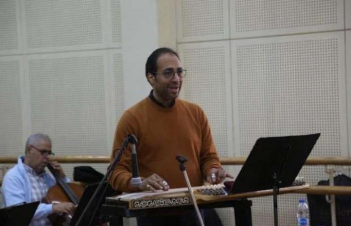اخبار السياسه طلاب معهد الموسيقى ينعون عميدهم أشرف هيكل: «كان متواضع وبيسمعنا»