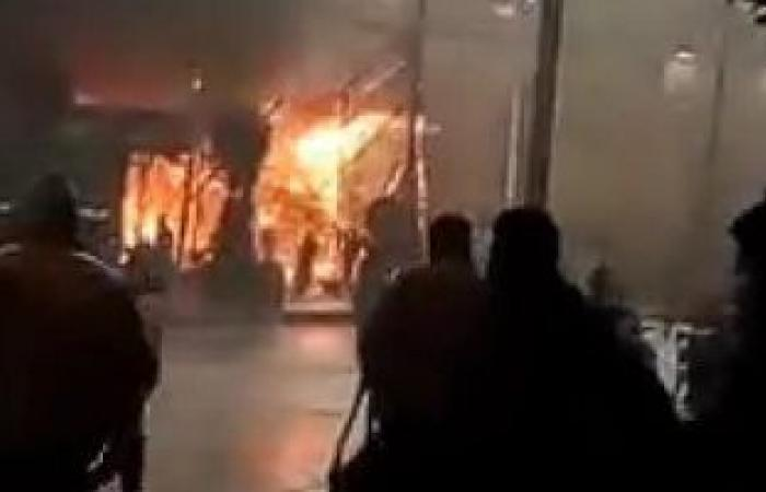 #اليوم السابع - #حوادث - السيطرة على حريق داخل محل أحذية بمنطقة عزبة النخل دون إصابات
