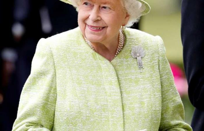 #المصري اليوم -#اخبار العالم - وصيفتها تكشف السر.. لماذا تتسبب الشيكولاتة في خلاف بين ملكة بريطانيا وأسرتها؟ موجز نيوز
