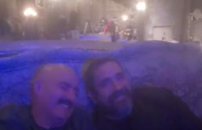 #اليوم السابع - #فن - محمد سامى يداعب الجمهور بفيديو كوميدى مع السقا وكرارة من كواليس نسل الأغراب