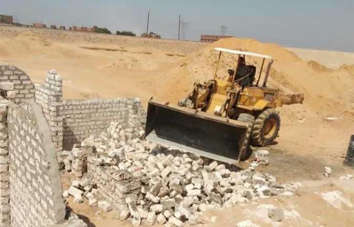 المصري اليوم - اخبار مصر- إزالة 48 مقبرة مخالفة على الأراضي الزراعية في الخانكة موجز نيوز