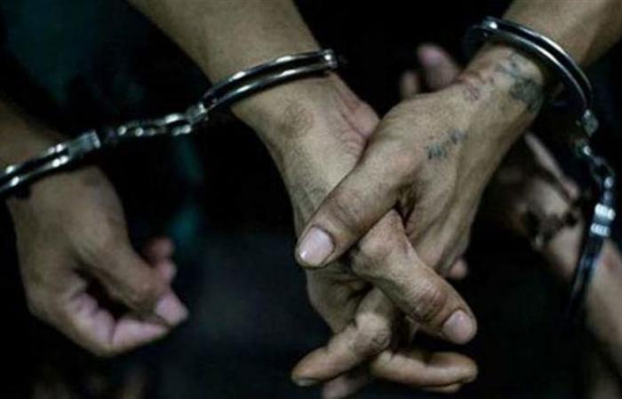 الوفد -الحوادث - ضبط 21 تاجر مخدرات بحوزتهم 50 طربة حشيش وهيروين بالمحافظات موجز نيوز