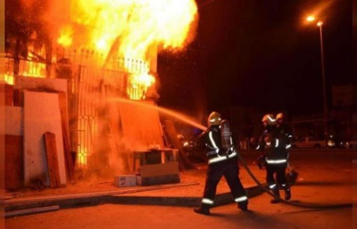 الوفد -الحوادث - إخماد حريق نشب بأحد المطاعم الشهيرة بالغردقة موجز نيوز
