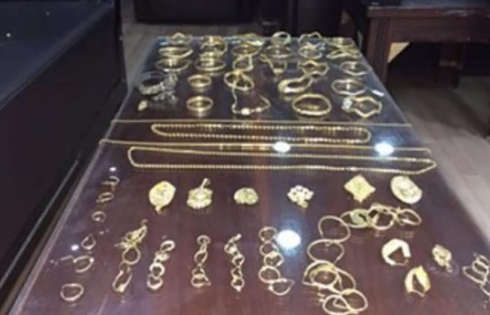 الوفد -الحوادث - حبس نجار سرق مشغولات ذهبية من محل في حلوان موجز نيوز
