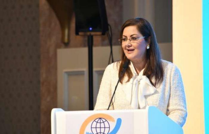 اخبار السياسه السعيد بمؤتمر «حقوق الإنسان»: الإناث تمثل 50.7% من العاملين بالجهاز الإداري