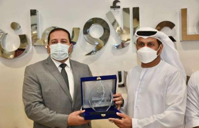اخبار السياسه سفير الإمارات يتبرع بالدم لصالح مرضى السرطان في الصعيد