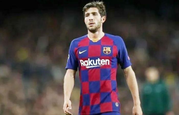 الوفد رياضة - برشلونة يحسم موقفه النهائي من استمرار سيرجي روبرتو مع الفريق موجز نيوز