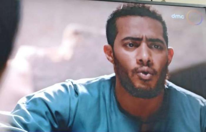 اخبار السياسه أحداث الحلقة 2 من مسلسل موسى.. والدة محمد رمضان تفاديه من غدر «حميد»