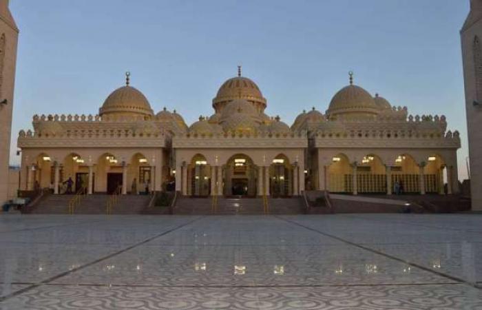 اخبار السياسه جوامعنا.. مسجد الميناء الكبير بالغردقة قبلة المواطنين والسياح في رمضان