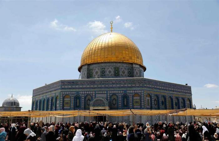 #المصري اليوم -#اخبار العالم - 70 ألفًا يصلون أول «جمعة» فى رمضان بالمسجد الأقصى موجز نيوز