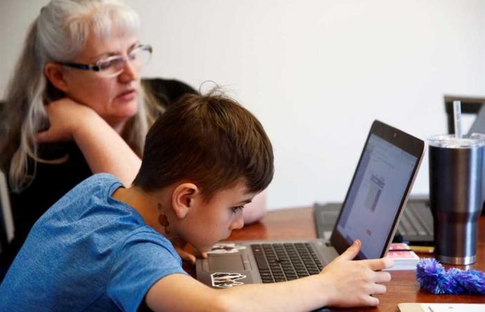 المصري اليوم - تكنولوجيا - تقرير : فيروس كورونا أجبر الناس على استخدام الإنترنت أكثر من أي وقت موجز نيوز