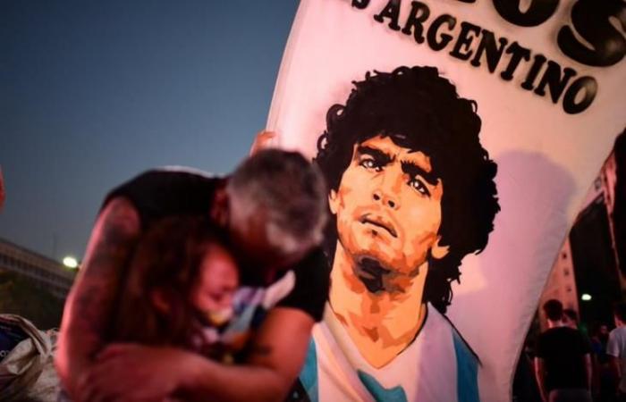 """رياضة عالمية السبت """"لم يتم الاعتناء به قبل وفاته"""".. اتهامات خطيرة لأطباء مارادونا وممرضاته"""